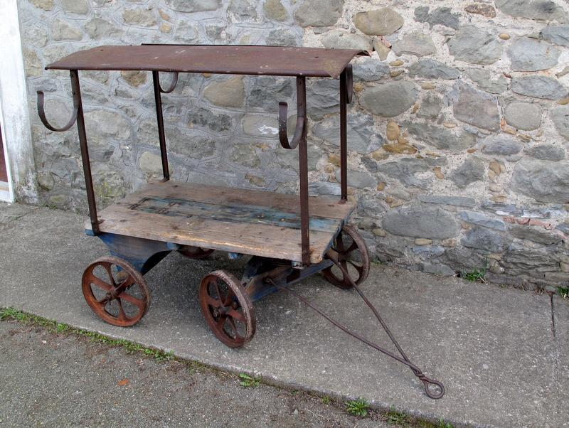 vecchio carro agricolo