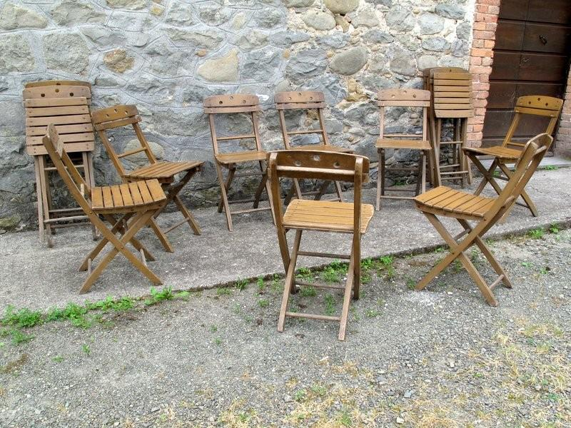 FOLDING CHAIRS LOT