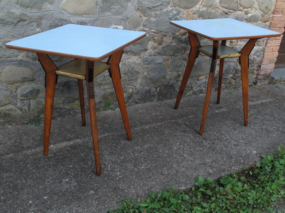 due tavolini da osteria