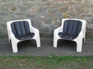 GAIA LOUNGE CHAIRS