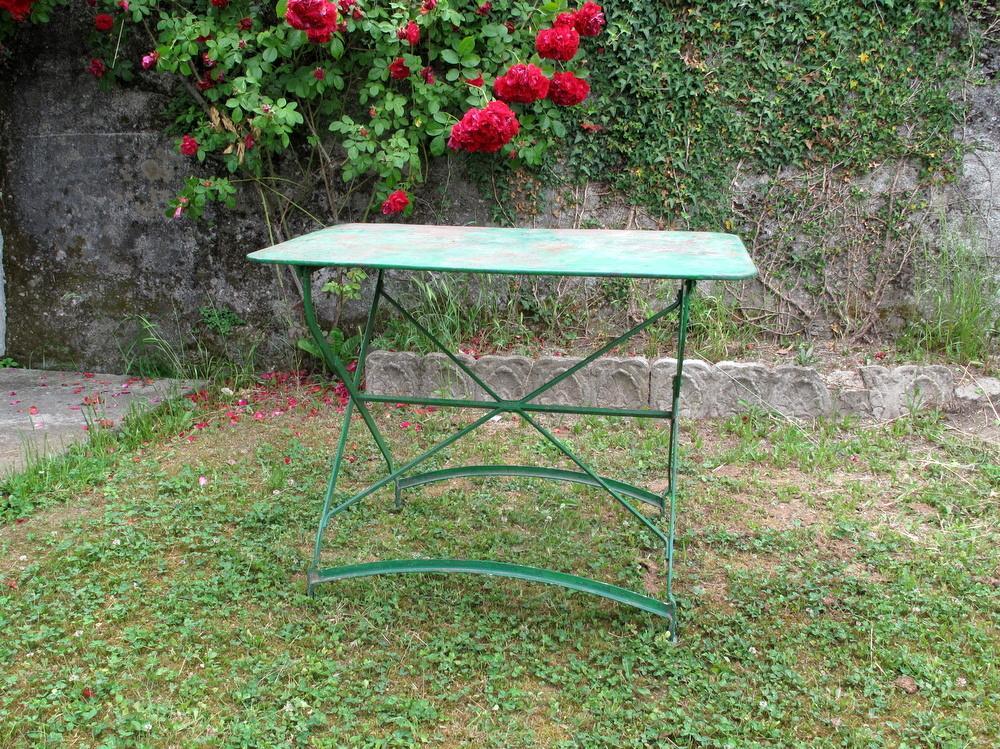 tavolo pieghevole in ferro verde