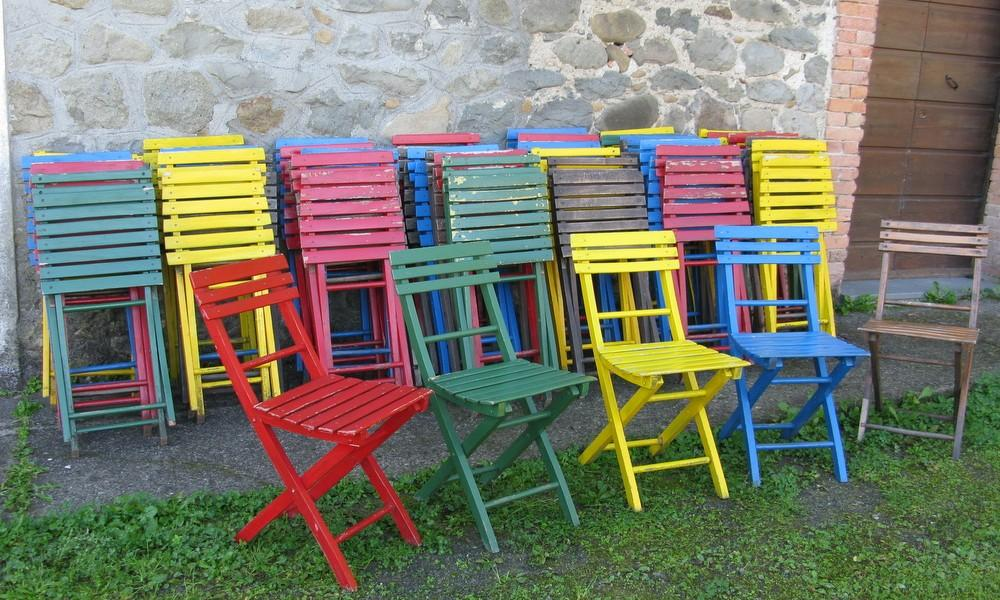 FOLDING COLORED CHAIRS LOT