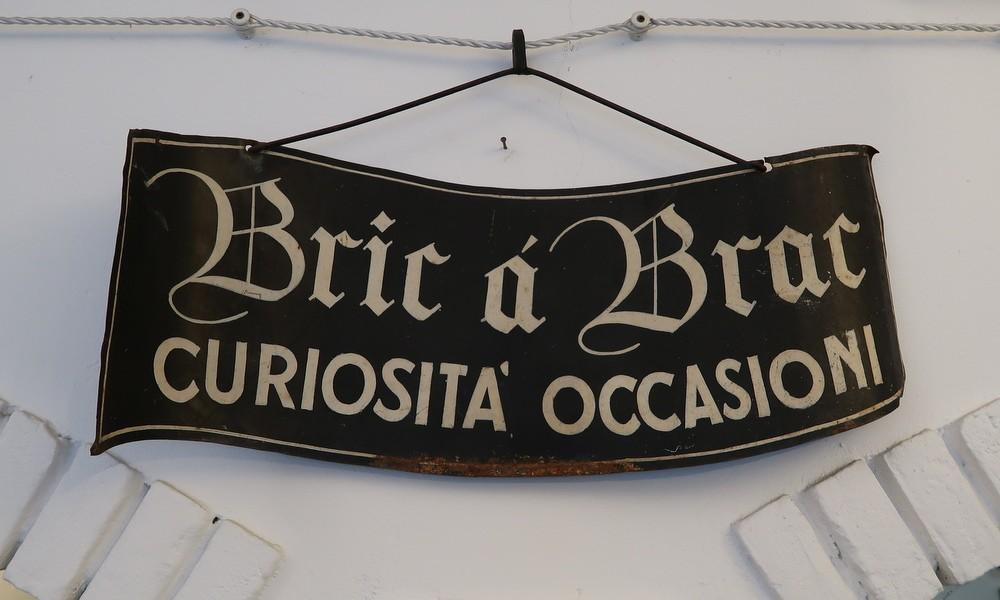BRIC à BRAC IRON SIGN