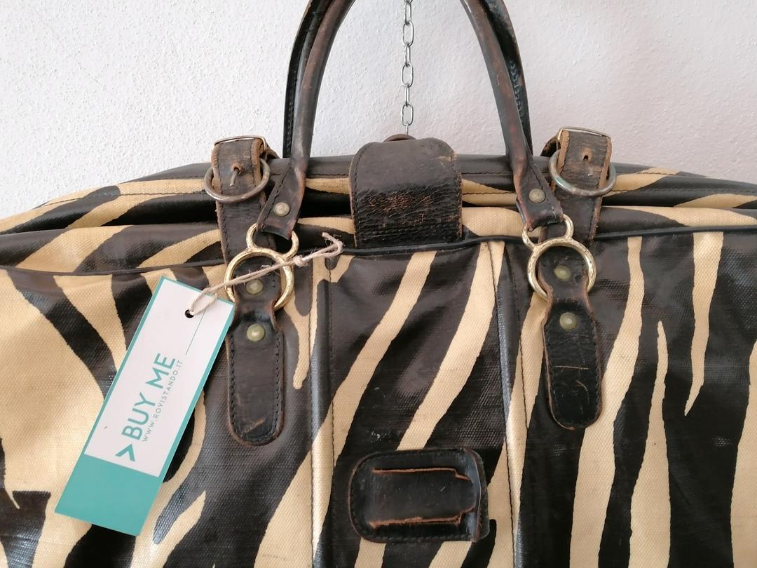 valigia zebrata
